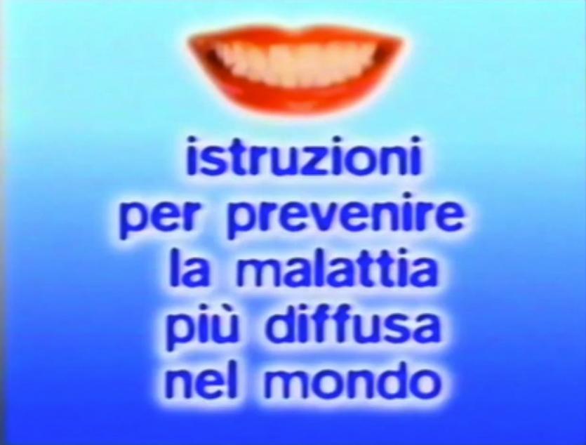 Una bella lezione sull'igiene orale dal bravissimo Paolo Poli